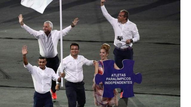 """الحسین پرچمدار """"تیم ورزشکاران مستقل پارالمپیک"""" در مراسم افتتاحیه ریو ۲۰۱۶ بود"""