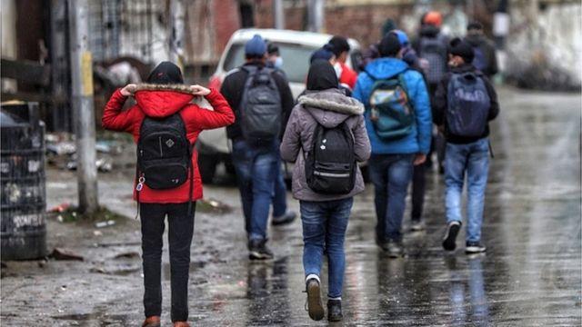 Jeans é a escolha de roupa para muitos jovens indiano
