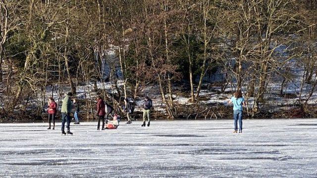 یخ سواری در لاهه