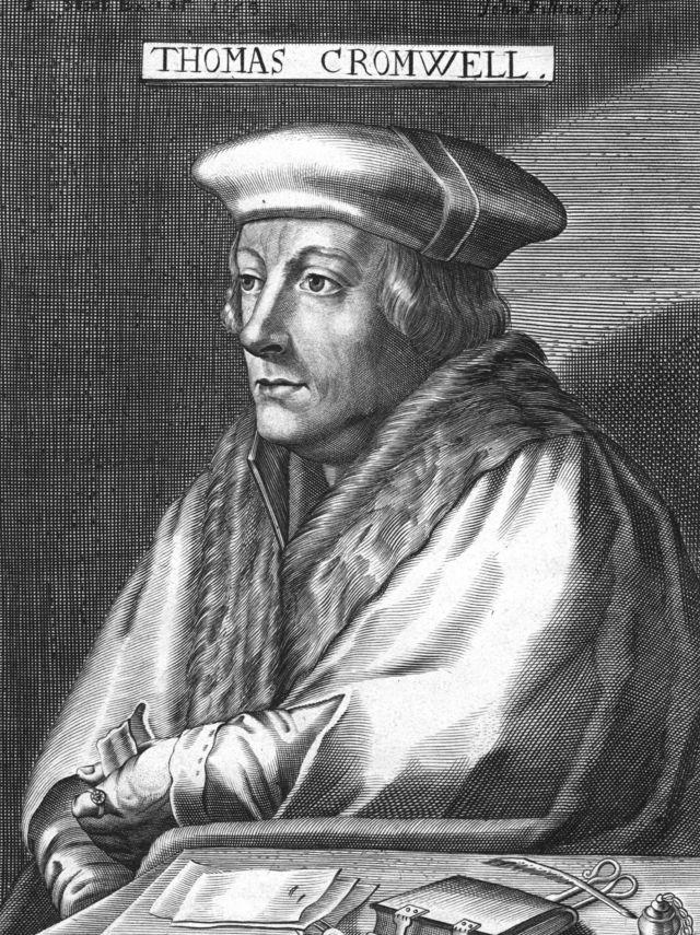 โธมัส ครอมเวลล์ สมุหนายก เป็นผู้มีบทบาทสำคัญในการช่วยกษัตริย์เฮนรียุบและยึดพื้นที่วัดวาอารามคืน ผ่านพระราชกฤษฎีกายุบอารามในระหว่างปี 1536 ถึงปี 1541