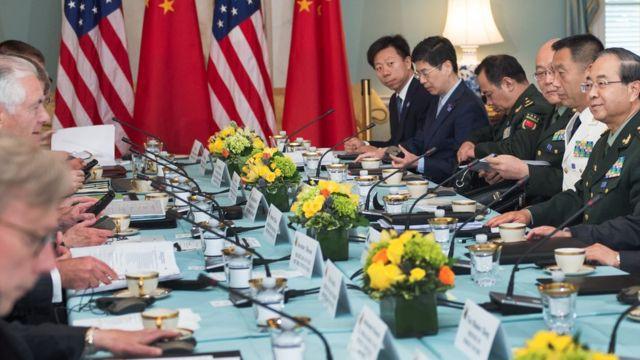 房峰辉与美国官员。