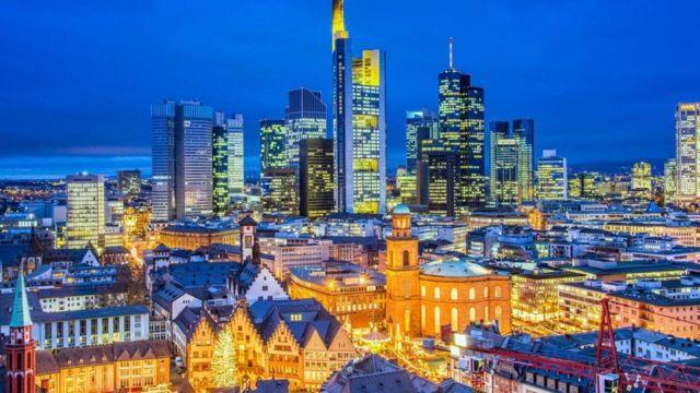 فرانكفورت تتمتع بالعديد من أماكن الجذب والترفيه