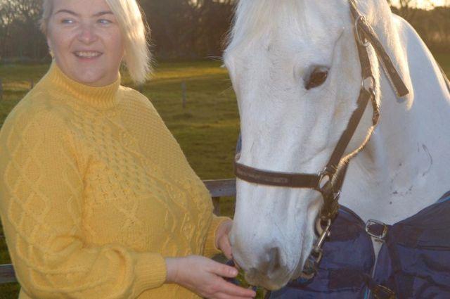 كيلي آن ألكساندر مع فرستها أليانا