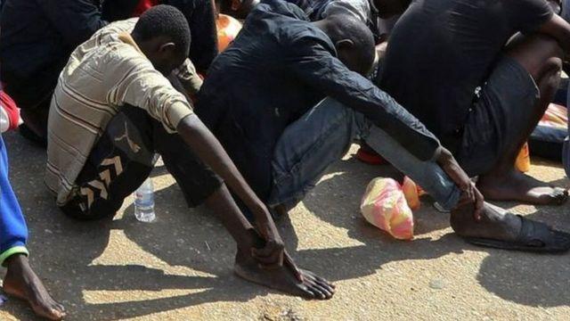 Ishirahamwe rijejwe abimukira OIM rivuga ko ryegeranije ibimenyetso vyerekana ko abagizwe abaja muri Libya.