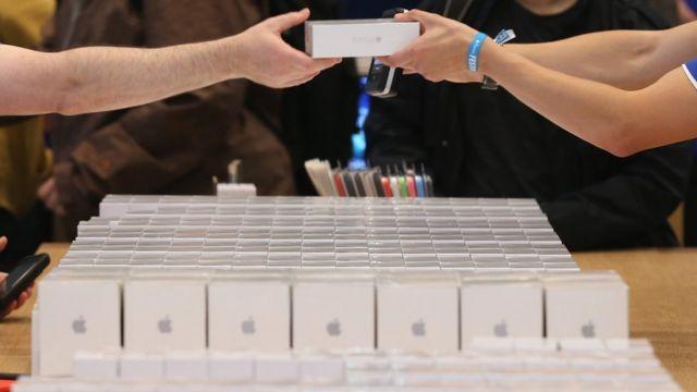 iPhone X'in Ekim ayında Türkiye'de satışa çıkması bekleniyor.