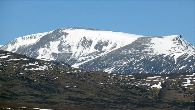 Walker rescued after search on Ben Macdui