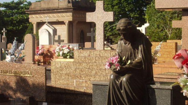 Cemitério da Saudade, de Bauru, interior de SP