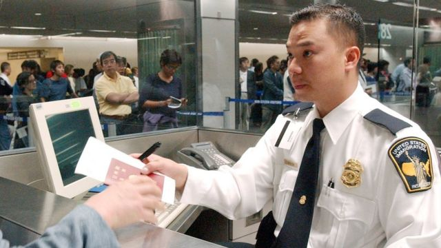 US immigration inspector at San Francisco International Airport