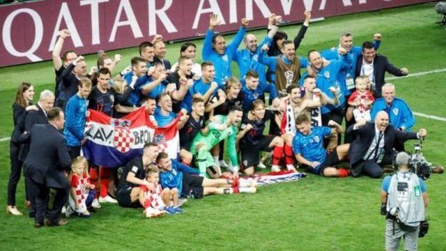 ऐतिहासिक जीत के बाद उत्साहित क्रोएशियाई टीम