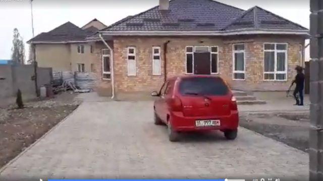 Бишкектин Көк-Жар жаңы конушундагы Улан Саляновдун үйү.