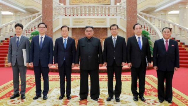 정의용 국가안보실장을 단장으로 하는 대북 특별사절단이 북한 노동당 본부청사에서 북한 김정은 국무위원장을 면담했다고 노동신문이 6일 보도했다