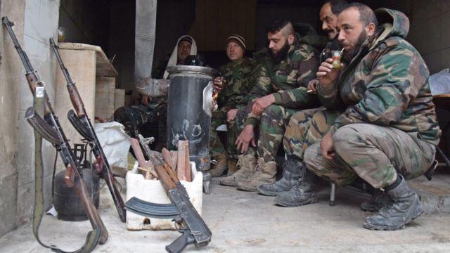 جنود بالجيش السوري