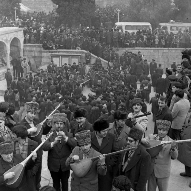 Bakı şəhərində İçərişəhərdə saz və bahar bayramında (22 mart 1984).