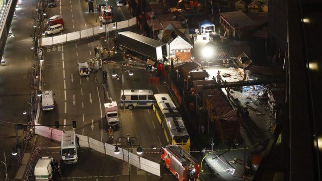 Жертвами теракта на предрождественской ярмарке стали 12 человек