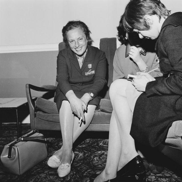 Liudmila Pavlichenko en Reino Unido el 7 de mayo de 1968.