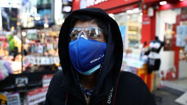 戴口罩的韓國人