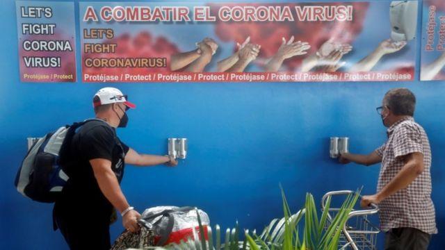 Turistas en Cuba.
