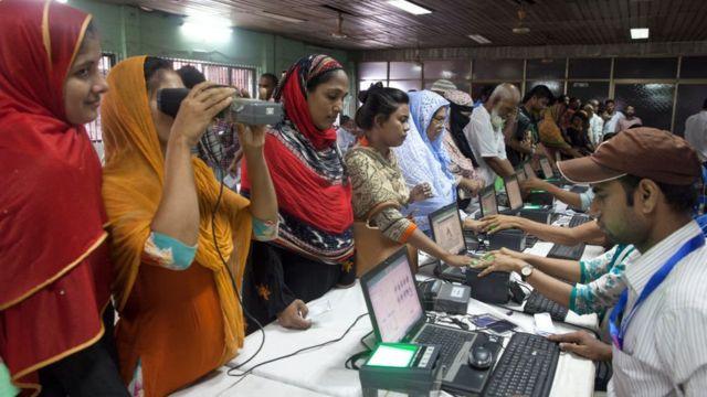 Registro de datos biométricos en Bangladesh