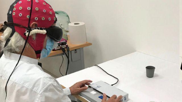 O paciente é submetido a exames laboratoriais