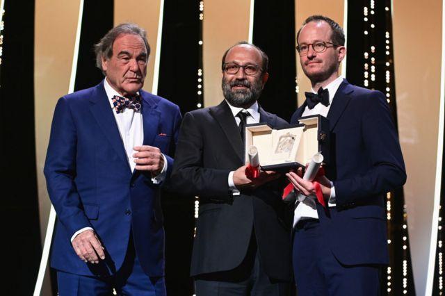 اصغر فرهادی برای فیلم 'قهرمان' برنده جایزه بزرگ جشنواره کن شد - BBC News  فارسی
