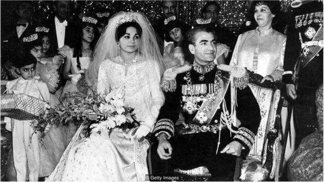 Farah e o xá do Irã, Mohammad Reza Pahlavi, em dezembro de 1959