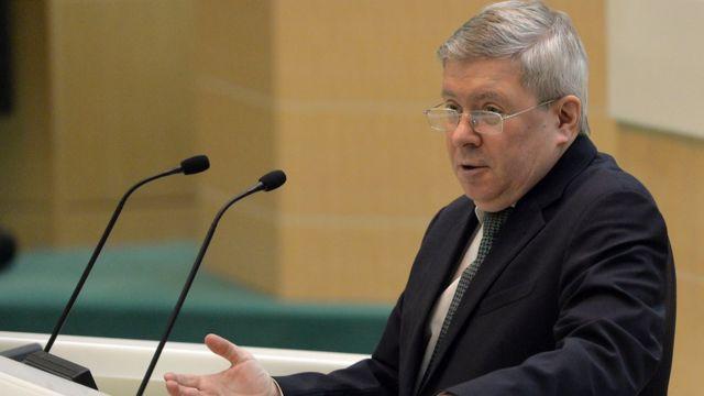 Александр Торшин во время выступления в Совете Федерации