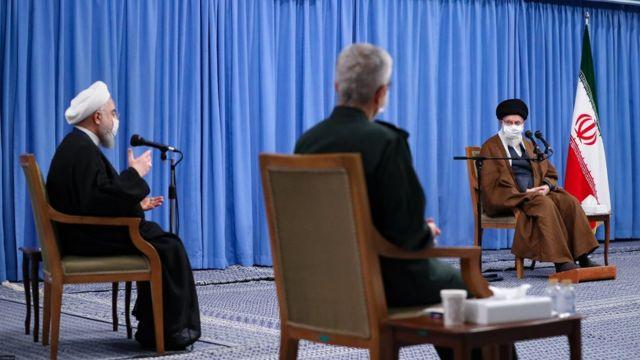 از زمان شیوع کرونا آقای خامنهای جلسات حضوری بسیار محدودی داشته و بیشتر اوقات از راه دور در نشستهای رسمی شرکت کرده است