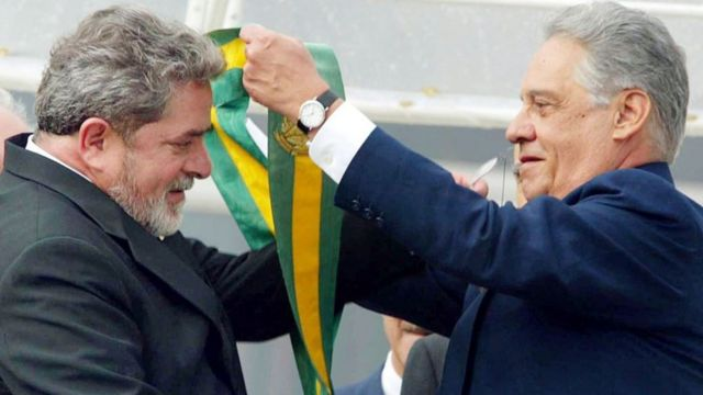 Lula (esq.) e Fernando Henrique Cardoso (dir.)