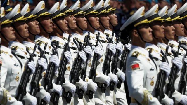中国军人参加阅兵式