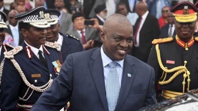 Le président sortant du Botswana Mokgweetsi Masisi remporte les élections générales dans son pays.