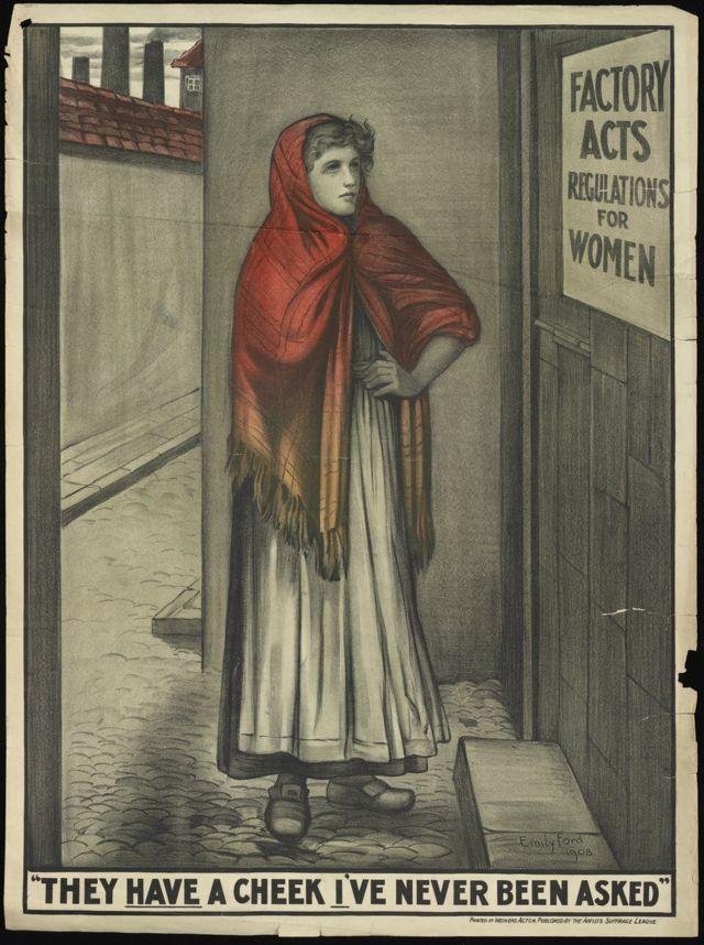 Работница мельницы читает объявление о правилах работы для женщин