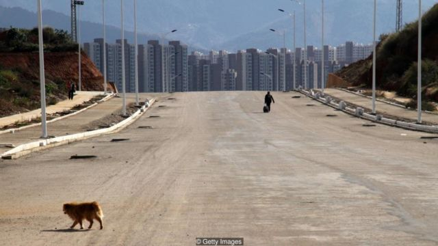 Large urban areas were left unoccupied when the expected rush of inhabitants never appeared