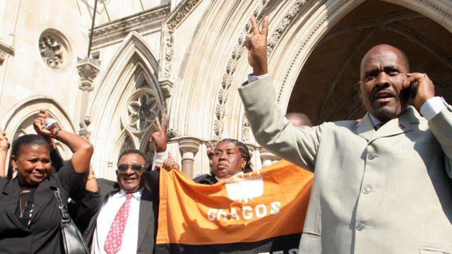 Representantes de las Islas Chagos frente a un tribunal en Londres