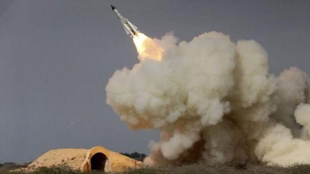 إيران تقول إن تجربتها الصاروخية الأخيرة لا تتنافى مع قرارات مجلس الأمن
