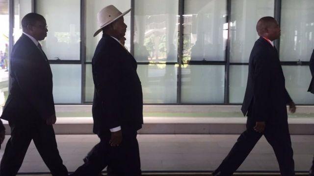 Prezida Museveni ashitse i Dar Es Salaam