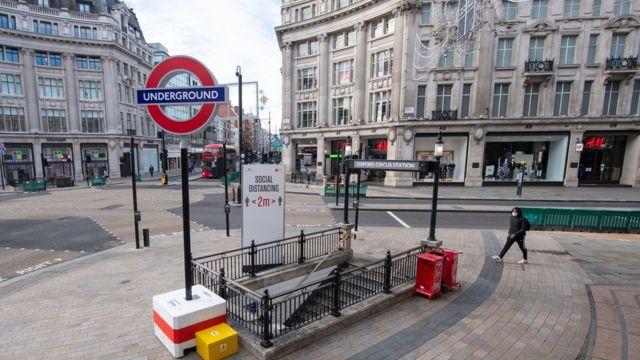 Коронавирус в мире: Англия сократит срок карантина при въезде в страну -  BBC News Русская служба