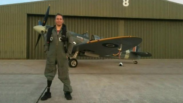 Sgt Alan Robinson and Spitfire