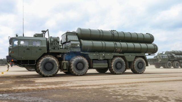 Venezuela compró a Rusia el moderno sistema antimisiles S300.
