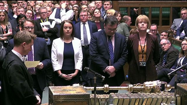 Tellers reveal the result of the vote in the Commons