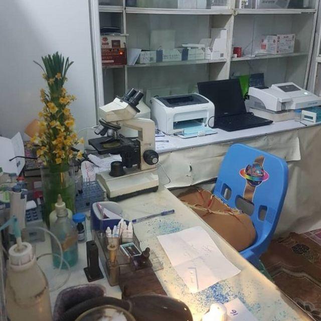 یک داروخانه در استان ننگرهار که نتیجه جعلی آزمایش کرونا چاپ می کرد