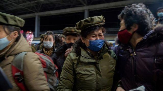 El regreso a Pyongyang de funcionarios de Corea del Norte regresando de las provincias afectadas por las inundaciones en noviembre de 2020