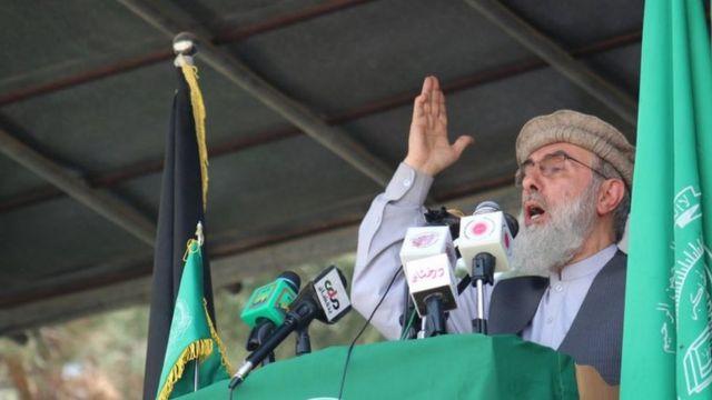 گلبدین حکمتیار در سخنرانی اخیر خود در اسلام آباد گفت که او خود گفتگوهای جداگانه را با طالبان در پیش خواهد گرفت