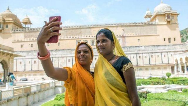 فیس بک صارفین  'مسلم مخالف مواد تنازع': انڈیا فیس بک کی انکھی داس کون ہیں؟  115103054 f3bb31ad 8365 4175 8f7c c6642fecae6c