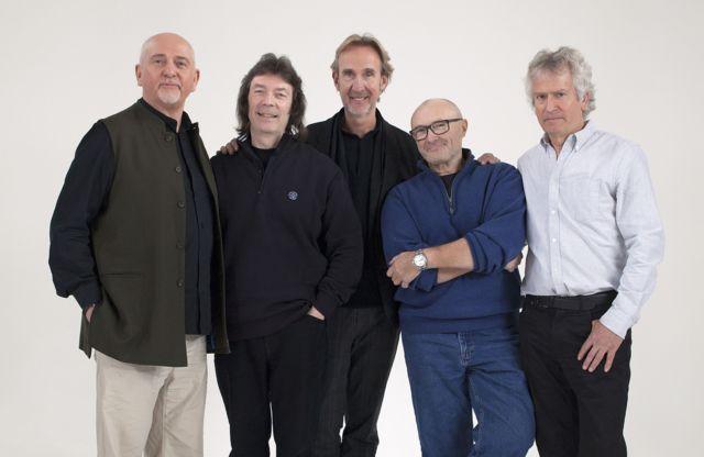 В 2014 году классический состав Genesis собрался - но не для концертов или записей, а для участия в документальном фильме Би-би-си об истории группы. Слева направо: Питер Гэбриел, Стив Хаккет, Майк Резерфорд, Фил Коллинз, Тони Бэнкс