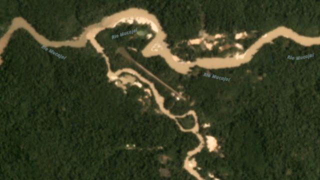 Imagem de satélite em março de 2020 mostra focos de garimpos no rio Mucajaí