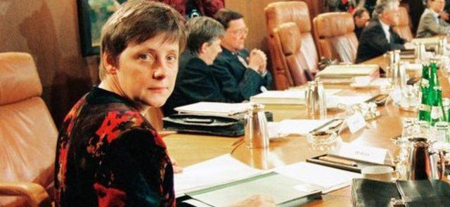 Angela Merkel kao ministarka početkom 1990-ih - snimak nemačke vlade