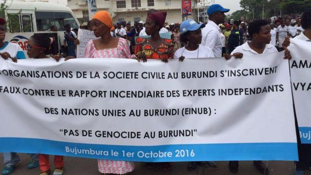 Abari mu myiyerekano yo kwiyamiriza ivyegeranyo vya Onu barahakana ko ata genocide iriko iraba mu Burundi