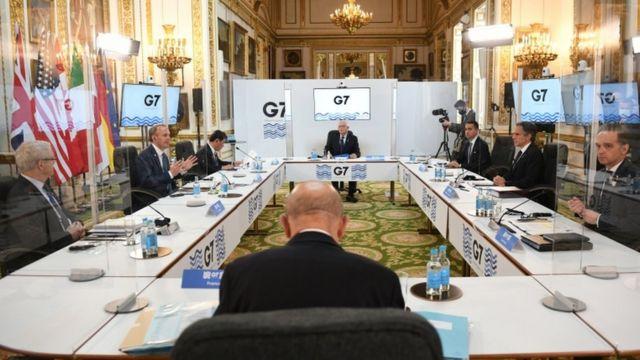 Встреча проходит с соблюдением противовирусных ограничений