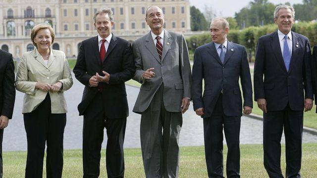 Kuanzia kushoto kwenda kulia: Angela Merkel, Tony Blair, Jacques Chirac, Vladimir Putin na W Bush