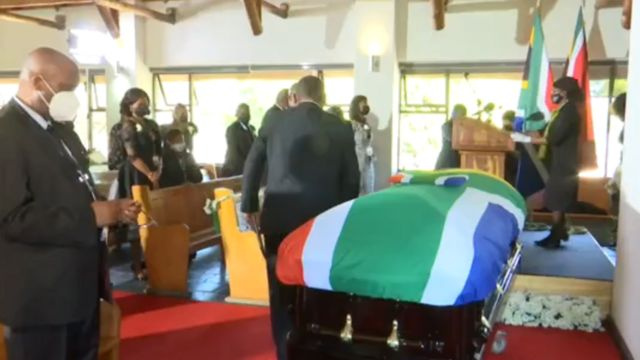 Moment when South African President Cyril Ramaphosa speaks to praise late South African politician